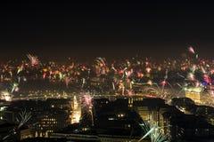 Eve Fire Works Downtown Hamburg Alster del Año Nuevo Fotografía de archivo