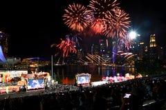 Eve Fireworks china del Año Nuevo en Marina Bay fotos de archivo libres de regalías