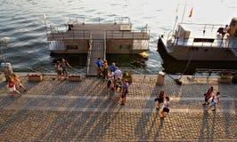Evenin sommarrekreation i Prague Royaltyfri Bild