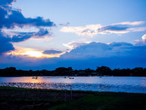 Evening湖Rama 9公园在曼谷泰国 免版税库存照片