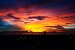 Evening światło w mieście w Bangkok, Tajlandia Zdjęcia Stock