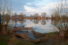 Evening湖 库存图片