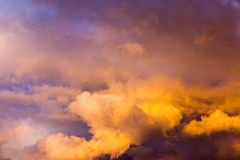 Evening chmurnego nieba afterglow Zdjęcie Stock