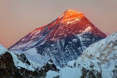 Evening colored view of Mount Everest from Gokyo R Royalty Free Stock Photo