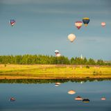 Evening flight of the hot air balloons. Royalty Free Stock Photos