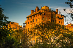 Evening light on an old building in Upper East Side, Manhattan, Stock Photo