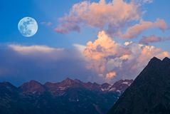Evening mountain landscape Royalty Free Stock Photo