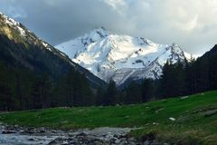 Evening in mountains Royalty Free Stock Photos