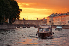 Evening at the Neva river in Saint Petersburg, Rus. Sia Royalty Free Stock Images