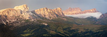 Evening panoramic view to gruppo Nuvolau Stock Images
