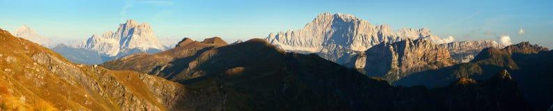 Evening panoramicznego widok góra Civetta i góra Pelmo zdjęcia royalty free