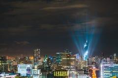 Evento da torre de Mahanakhon, a construção a mais alta do lightshow da grande inauguração em Tailândia Fotos de Stock Royalty Free