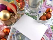 Evento de la celebración del Año Nuevo, papel pintado del dinero, bolas de la Navidad, papel Fotos de archivo libres de regalías