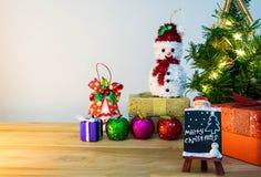Evento del buon anno e di Mary Christmas su legno Apra il briciolo caldo Fotografia Stock Libera da Diritti