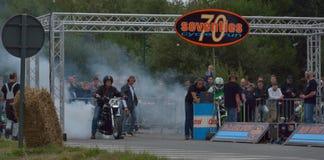 Evento del funcionamiento del ciclo de los años 70, motoristas de los años 70 Foto de archivo libre de regalías