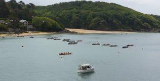 Evento del rowing de Gig Racing del piloto en Salcombe Devon England Reino Unido el domingo 31 de mayo de 2015 imágenes de archivo libres de regalías