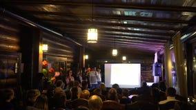 Evento di istruzione - presentando qualcosa gruppo di bambini all'evento educativo Kiev, Ucraina 10 05 2019 archivi video