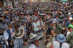 Evento do ` s dos homens durante Inti Raymi em Cotacachi Equador Imagem de Stock