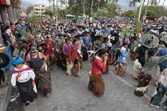 Evento do ` s dos homens durante Inti Raymi em Cotacachi Equador Fotografia de Stock Royalty Free