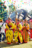 Evento tradicional de Manau de la tribu de Kachin para adorar a dios y para desear al rey de Tailandia Imagen de archivo