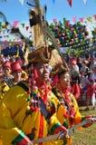 Evento tradicional de Manau de la tribu de Kachin para adorar a dios y para desear al rey de Tailandia Foto de archivo