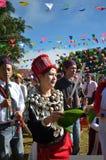 Evento tradicional de Manau de la tribu de Kachin para adorar a dios y para desear al rey de Tailandia Fotos de archivo