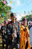 Evento tradicional de Manau de la tribu de Kachin para adorar a dios y para desear al rey de Tailandia Fotos de archivo libres de regalías