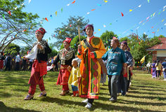 Evento tradicional de Manau de la tribu de Kachin para adorar a dios y para desear al rey de Tailandia Fotografía de archivo libre de regalías
