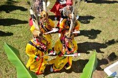 Evento tradicional de Manau de la tribu de Kachin para adorar a dios y para desear al rey de Tailandia Foto de archivo libre de regalías