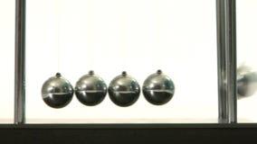 In evenwicht brengende ballen stock videobeelden