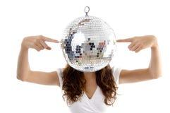 In evenwicht brengende de spiegelbal van de vrouw met vingers Royalty-vrije Stock Fotografie