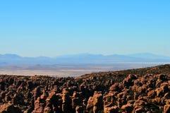 In evenwicht brengende Rotsen en Ongeluksboden van de Chiricahua-bergen van Chiricahua Apaches royalty-vrije stock afbeeldingen