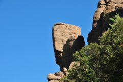 In evenwicht brengende Rotsen en Ongeluksboden van de Chiricahua-bergen van Chiricahua Apaches stock foto's