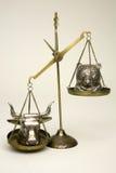 In evenwicht brengende Stieren en Beren Royalty-vrije Stock Afbeeldingen