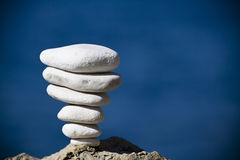 Evenwichtige stenenstapel Stock Fotografie