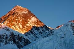Everest στο ηλιοβασίλεμα στοκ φωτογραφία με δικαίωμα ελεύθερης χρήσης