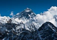 Everest bergmaximum - överkanten av världen Arkivbilder