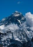 Everest bergmaximum eller Sagarmatha - överkant av världen Arkivfoto