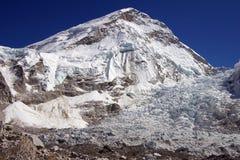 Everest-niedriges Lager Stockfoto