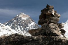 Everest and Nuptse from Kala Patthar with stone pyramids Royalty Free Stock Photos