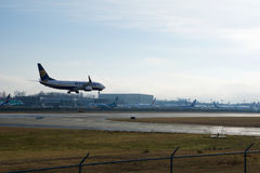 EVERETT, ΟΥΑΣΙΓΚΤΟΝ, ΗΠΑ - 26 Ιανουαρίου 2017: Ένα ολοκαίνουργιο Ryanair Boeing 737-800 επόμενο GEN MSN 44766, EI-FTP εγγραφής Στοκ εικόνες με δικαίωμα ελεύθερης χρήσης
