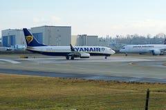 EVERETT, ΟΥΑΣΙΓΚΤΟΝ, ΗΠΑ - 26 Ιανουαρίου 2017: Ένα ολοκαίνουργιο Ryanair Boeing 737-800 επόμενο GEN MSN 44766, EI-FTP εγγραφής Στοκ εικόνα με δικαίωμα ελεύθερης χρήσης