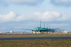 EVERETT, WASHINGTON, DE V.S. - 26 JANUARI, 2017: Gloednieuw Boeing 787 Dreamliner zonder motoren en paintinnnng het wachten te zi Royalty-vrije Stock Foto's