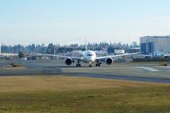 EVERETT, WASHINGTON, Etats-Unis - 26 janvier 2017 : Japan Airlines tout neuf Boeing 787-9 MSN 34843, doublure de l'enregistrement Image stock