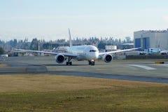 EVERETT, WASHINGTON, Etats-Unis - 26 janvier 2017 : Japan Airlines tout neuf Boeing 787-9 MSN 34843, doublure de l'enregistrement Images stock