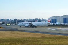 EVERETT, WASHINGTON, Etats-Unis - 26 janvier 2017 : Japan Airlines tout neuf Boeing 787-9 MSN 34843, doublure de l'enregistrement Photographie stock