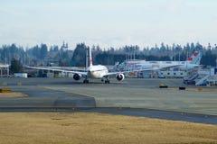 EVERETT, WASHINGTON, Etats-Unis - 26 janvier 2017 : Japan Airlines tout neuf Boeing 787-9 MSN 34843, doublure de l'enregistrement Image libre de droits