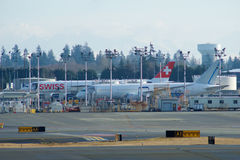 EVERETT, WASHINGTON, Etats-Unis - 26 janvier 2017 : Site de production de Boeing, l'usine énorme à l'aéroport du comté de Snohomi Photo libre de droits