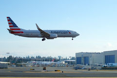 EVERETT, WASHINGTON, EUA - 26 de janeiro de 2017: Um Gen seguinte MSN 31258 de American Airlines Boeing 737-800 brandnew, registr Foto de Stock