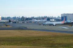 EVERETT, WASHINGTON, EUA - 26 de janeiro de 2017: Um Gen seguinte MSN 31258 de American Airlines Boeing 737-800 brandnew, registr Fotos de Stock Royalty Free